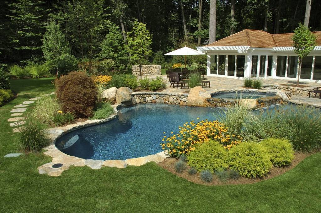 pool-landscaping-ideas.jpg